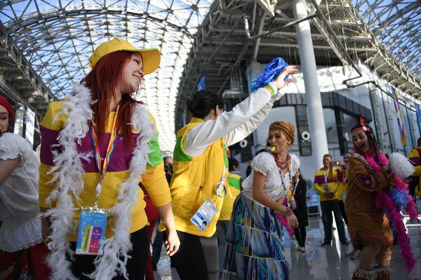 Účastníci 19. Světového festivalu mládeže a studentstva v Soči - Sputnik Česká republika