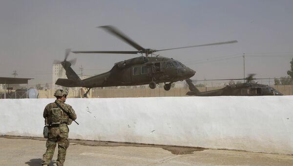 Vrtulník koalice USA v Iráku - Sputnik Česká republika