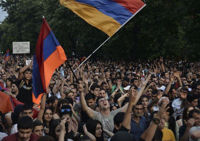 Aktivisté v Jerevanu