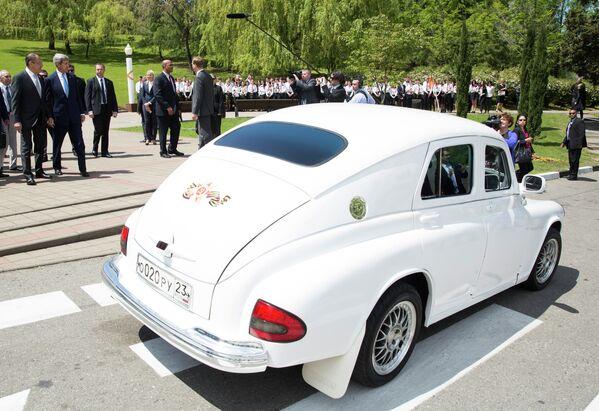 Legendární automobil Poběda: Čtyřkolový symbol sovětského života - Sputnik Česká republika