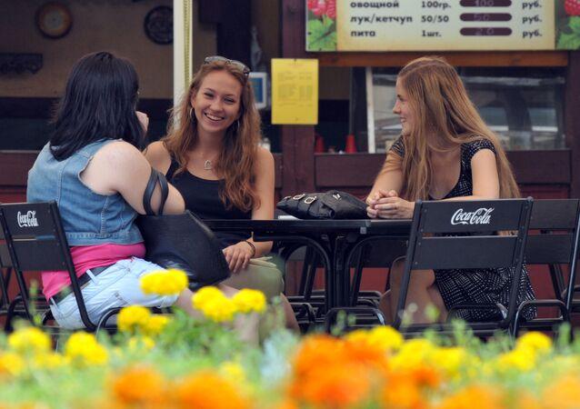 Dívky v jedné z moskevských kaváren