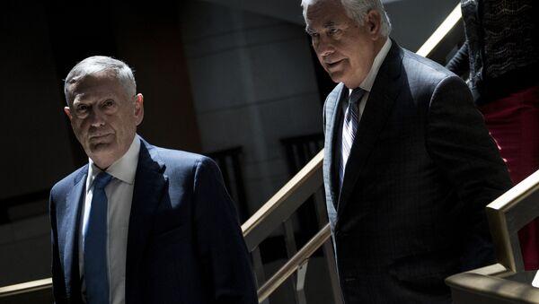 James Mattis a Rex Tillerson - Sputnik Česká republika