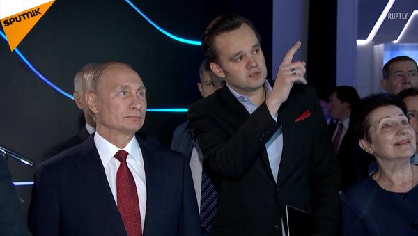 Putin navštívil interaktivní výstavu Rusko, zaměřené na budoucnost - Sputnik Česká republika