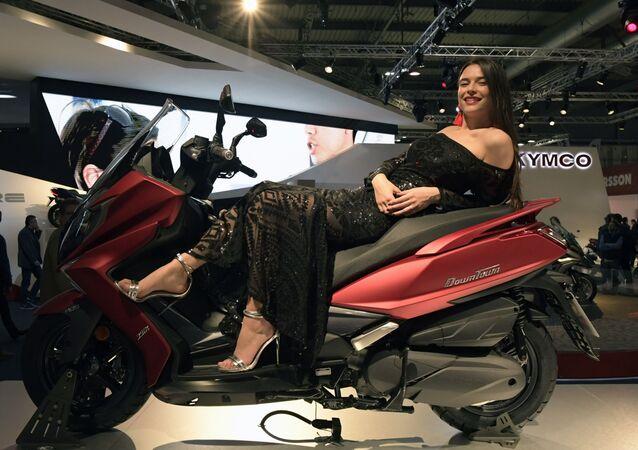 Motocyklová výstava v Miláně: všechno pro motorkáře, který ve vás dřímá