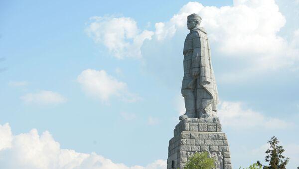 Pomník sovětského vojáka-osvoboditele v bulharském Plovdivu známý jako Aljoša - Sputnik Česká republika