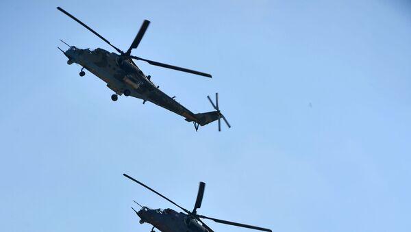 Transportně-bojové vrtulník Mi-35 - Sputnik Česká republika