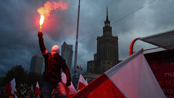 Pochod u příležitosti Dne nezávislosti ve Varšavě - Sputnik Česká republika
