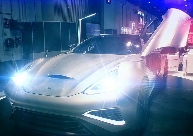 Titanový supersportovní automobil