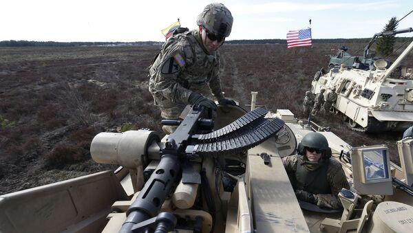 Američtí vojáci běhěm cvičení v Litvě - Sputnik Česká republika