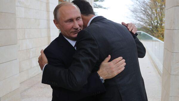 Ruský prezident Vladimir Putin se setkal v Soči s syrským prezidentem Bašárem Asadem - Sputnik Česká republika