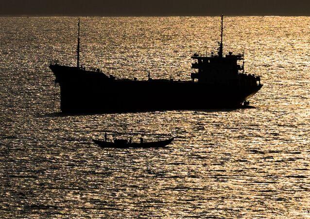 Lod' v Jihočínském moři