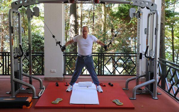 Někteří svá fyzická cvičení zanedbávají, Putin mezi ně ale rozhodně nepatří - Sputnik Česká republika