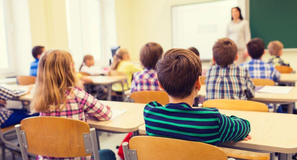 Žáci ve třídě. Ilustrační foto