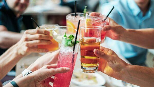 Večírek s alkoholem - Sputnik Česká republika