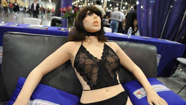 První sexuální figurína s umělou inteligencí Samantha - Sputnik Česká republika