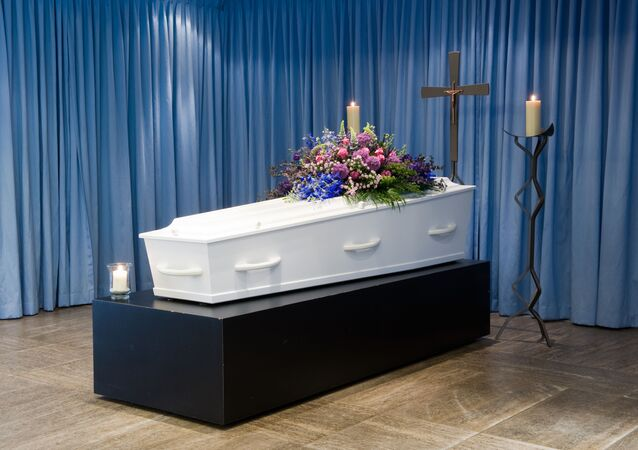 Hrobka s květinami