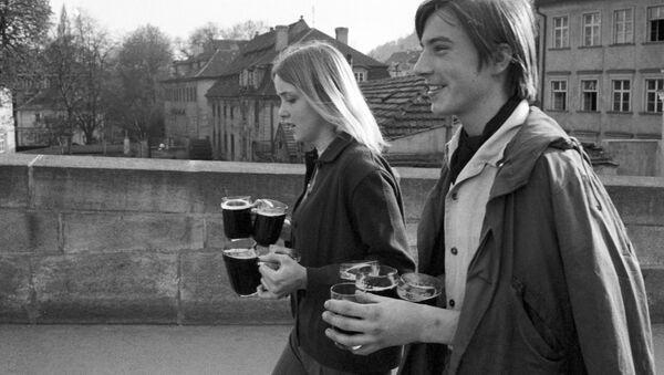 Československá mládež  v Praze v roce 1969 - Sputnik Česká republika