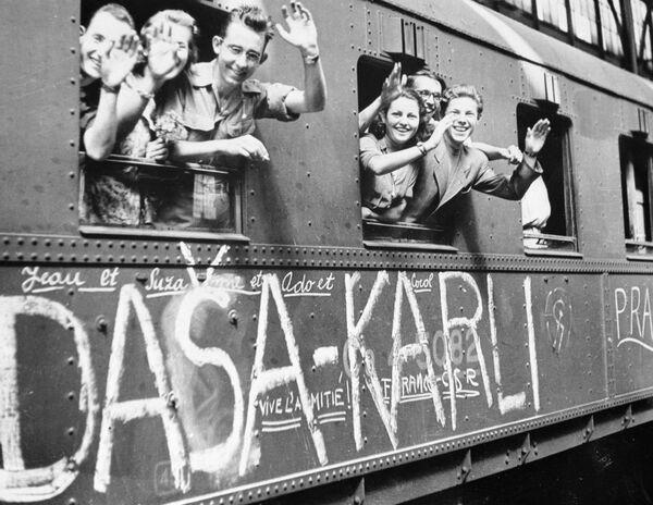 Socialismus v Československu: Stýská se vám? - Sputnik Česká republika