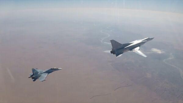 Útok bombardérů na objekty IS - Sputnik Česká republika