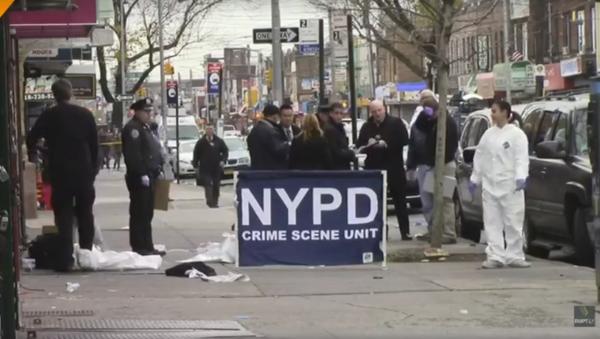 Záběry z místa událostí v New Yorku, kde vjelo auto do davu - Sputnik Česká republika