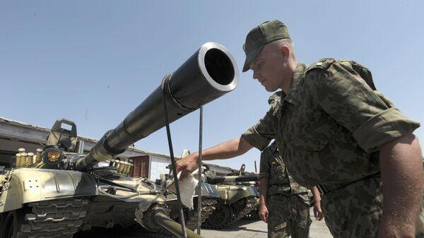 Ruský voják na základně v Tádžikistánu - Sputnik Česká republika