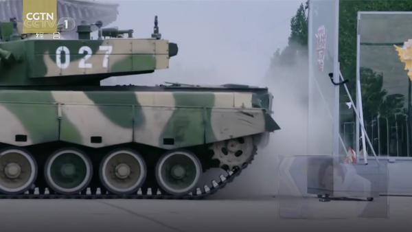 Parkování driftujícího tanku ukázali na videu - Sputnik Česká republika