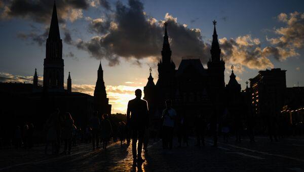 Kolemjdoucí na Rudém náměstí - Sputnik Česká republika