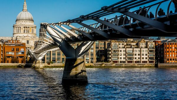 Most Millenium v Londýně. Ilustrační foto - Sputnik Česká republika