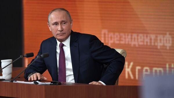 Ruský prezident Vladimir Putin během Velké tiskové konference - Sputnik Česká republika