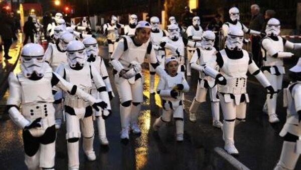 Účastníci karnevalu v Gijónu jsou oblečeni jako říšské bitevníky - Sputnik Česká republika