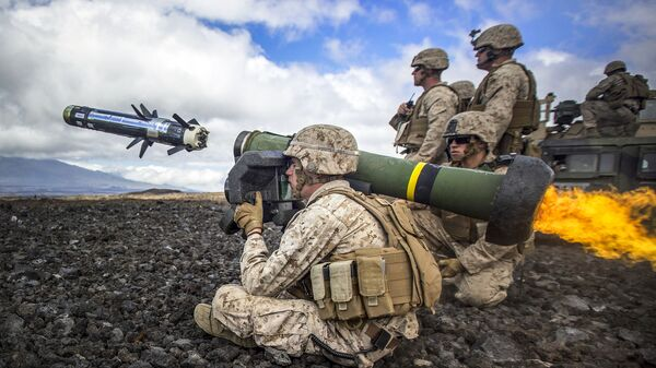Palba z protitankové řízené střely Javelin - Sputnik Česká republika