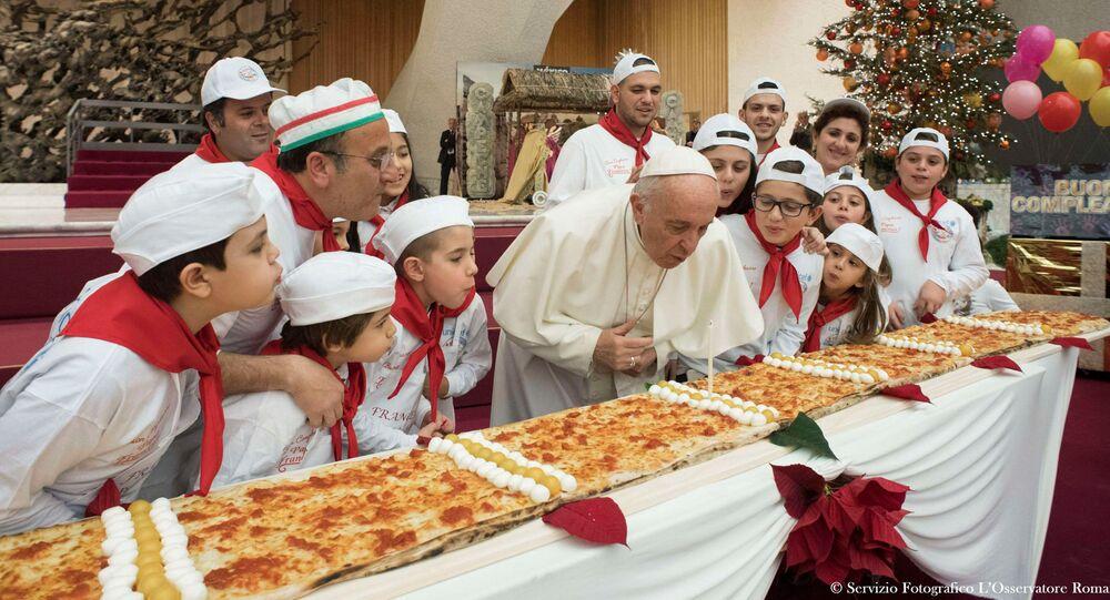 Papež František slaví narozeniny ve Vatikanu