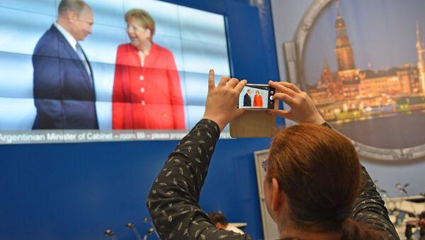 Jednání Vladimira Putina a Angely Merkelové - Sputnik Česká republika