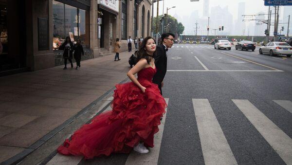 Svatební pár v Šanghaji - Sputnik Česká republika