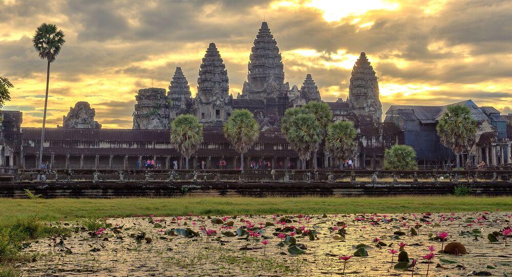 Úsvit. Kambodža