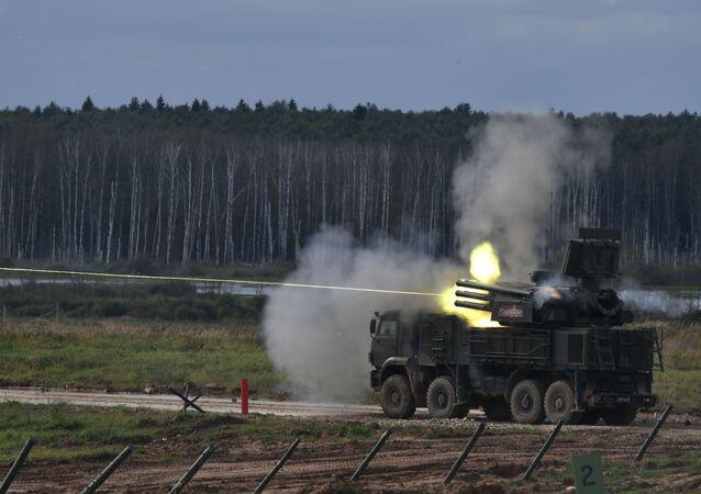 Ruský protiletadlový raketový a dělový komplex Pancir-S1