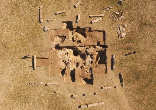 Starobylý sarkofág nalezený v Mongolsku