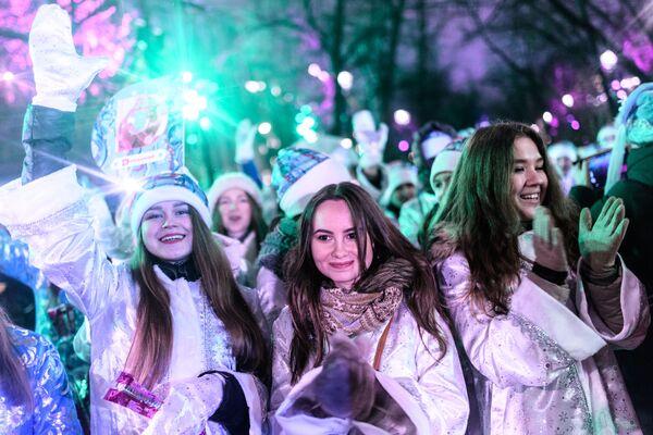 Jak proběhla čtvrtá přehlídka Sněhurek v Moskvě - Sputnik Česká republika