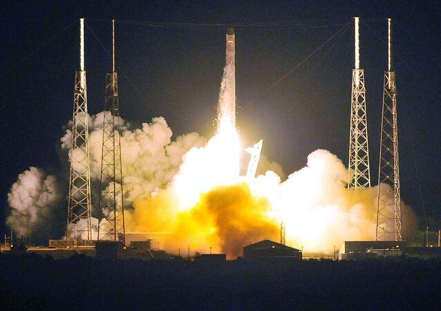 Start rakety Falcon