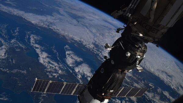 Sojuz MS07 a ISS - Sputnik Česká republika