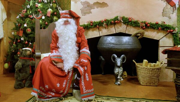 Santa Claus pod stromečkem - Sputnik Česká republika