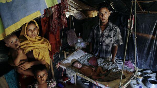 Běženci z etnické skupiny Rohingů v táboře na hranici Myanmaru a Bangladéše - Sputnik Česká republika