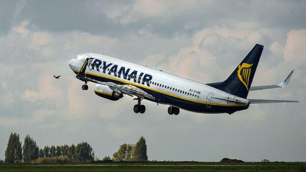 Самолет авиакомпании Ryanair  - Sputnik Česká republika