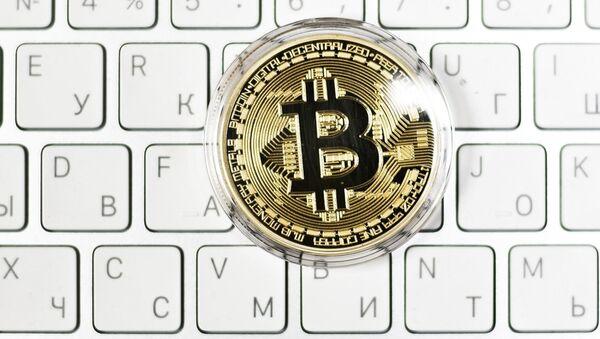 Bitcoin na klávesnici - Sputnik Česká republika