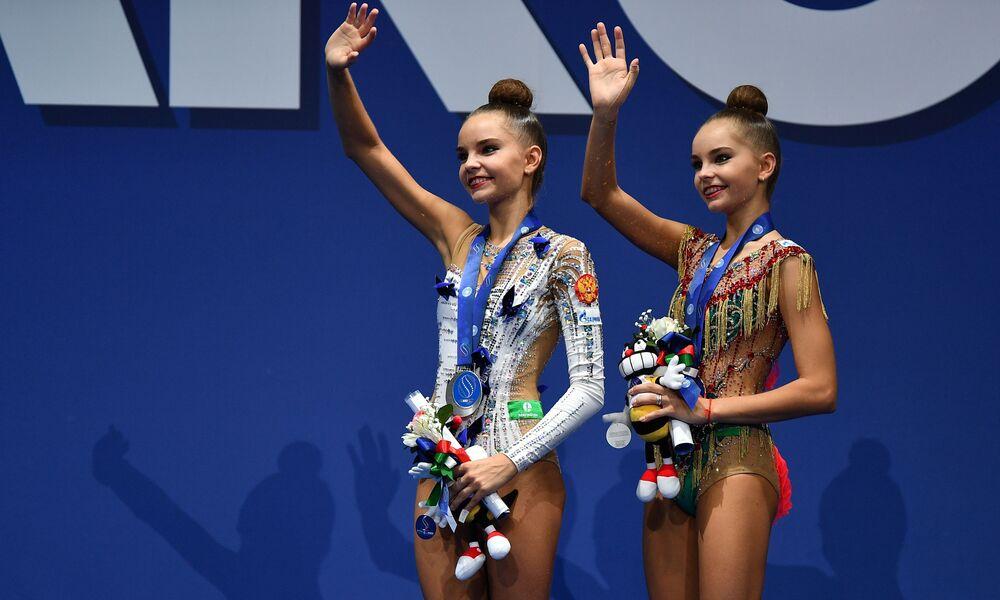 Ruské gymnastky Dina Averinová a Arina Averinová