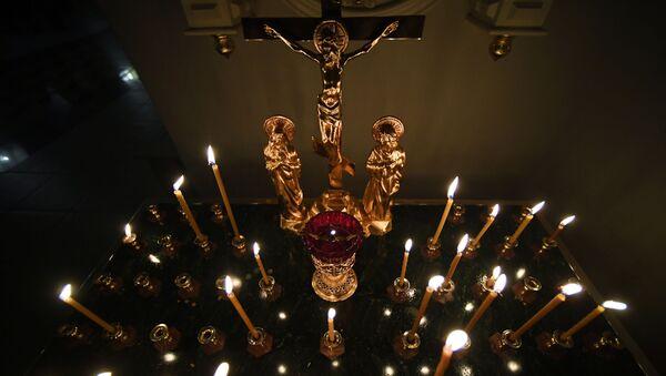 Svíčky v kostele - Sputnik Česká republika