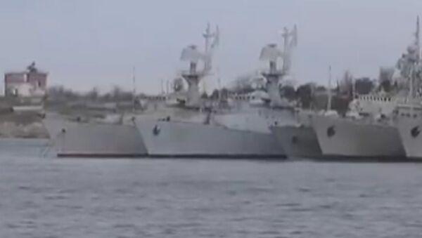 Žalostný stav: na webu se objevilo video s ukrajinskými loďmi na Krymu. Video - Sputnik Česká republika