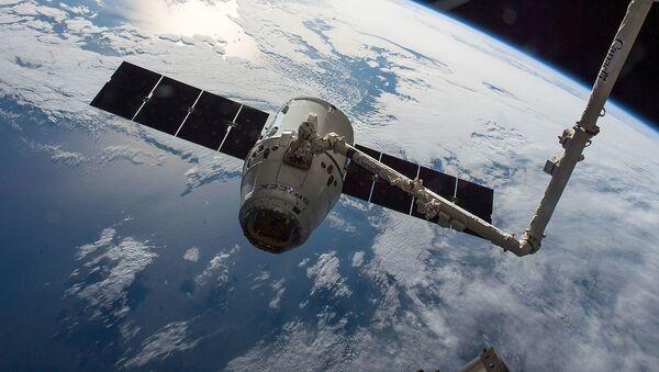 Americká nákladní vesmírná loď SpaceX Dragon - Sputnik Česká republika