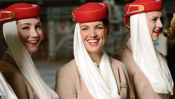 Letušky Emirates Airlines - Sputnik Česká republika
