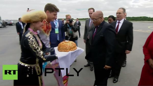 Prezident Jihoafrické republiky Jacob Zuma přiletěl v úterý do Ufy, aby se zúčastnil summitu BRICS - Sputnik Česká republika